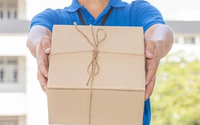 How a Residential Parcel Drop Box Helps Couriers